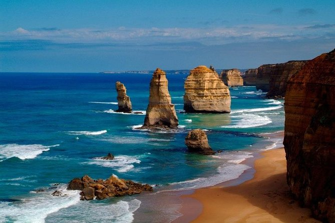 Your private tour of the Great Ocean Road will allow you time to take in the natural wonders of this majestic drive. Oceania provides you with exclusive access to an ancient Eucalyptus Forest Walk where you can get up close with koalas and kangaroos. Finish this magical day with a visit to the Twelve Apostles and Loch Ard Gorge.