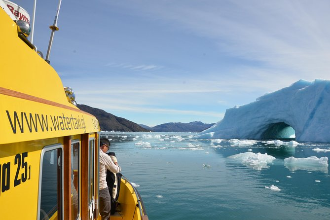 PRIVATE CHARTER - DELUXE CABIN BOAT<br><br>1-6 Passengers//Seats for all inside the heated cabin<br><br>The Greenlandic people often go on vacation with their family in the deep fiords of Greenland. And you can understand why. The depth, and the hight of the mountain gives you an unique feeling of being small and somewhat insignificant.<br><br>This tour you should choose if you would like to enjoy the nature in and around the Nuuk fiords. Often we see animal wildlife like the white tipped eagle, seals or maybe even a humpback whale.<br><br>Sailing in Greenland can be just the kind of Transformational Travel you need. The stillness as we swipe through the fiord, with no cell phone reception, gives you the utter sence of freedom that the first people must have felt when they arrived at the greenlandic coastline around 5.000 years ago.<br><br>We invite you to join us for a experience of a lifetime.