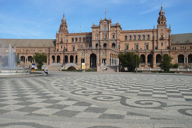 Book a day trip from Cadiz and discover the historical and beautiful city of Seville. This is a small-group activity and with the help of your knowledgeable guide explore the city's main landmarks and monuments such as the Alcazar, the Giralda Tower, Santa Cruz and Triana neighborhoods.