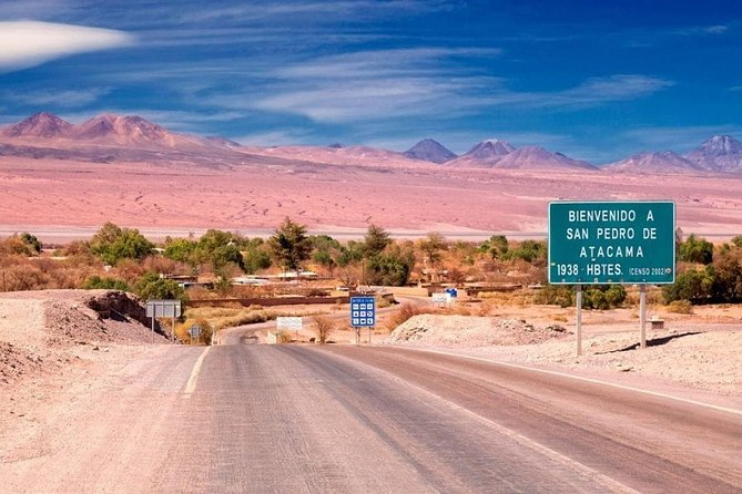 -Transfer from El Loa Airport to San Pedro de Atacama Hotels<br>-Shared service only driver