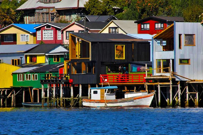 A full day tour to discover the northern part of the mythical Chiloé Island, its palafitos, markets and churches declared World Heritage by Unesco. <br><br>Immerse yourself in the chilote world. <br><br>Know the myths and legends of this famous island. <br><br>Take a walk in front of beautiful natural landscapes