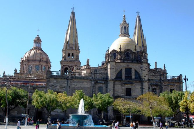 View the magnificent architecture of Guadalajara and the beautiful handicrafts of Tlaquepaque! During your sightseeing tour, you'll stop at important landmarks in Guadalajara's historical downtown, full of colonial buildings like the main Cathedral and Teatro Degollado (Degollado Theater). Walk through the enormous Mercado Libertad (Liberty Market) before continuing by air-conditioned minivan to nearby Tlaquepaque, where you'll have time to stroll the cobblestone streets and crafts market.
