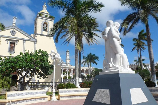 See the historic Mexican towns of Alvarado and Tlacotalpan on this day trip from Veracruz. It's an opportunity to learn about the Spanish conquest of Mexico in the context of Alvarado's colonial architecture, and to enjoy the colorful landmarks of Tlacotalpan. While in Tlacotalpan, you'll also discover the UNESCO World Heritage site's more recent cultural history at two small museums dedicated to successful local artists from the 19th and 20th centuries. Transport from your Veracruz-area hotel is included.