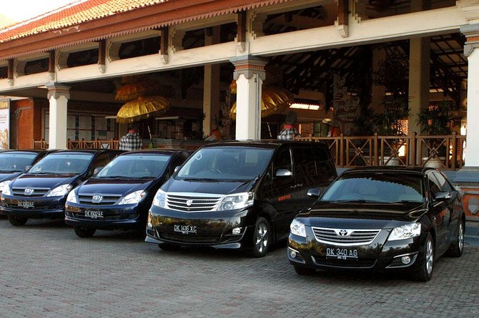Enjoy private departure transfer from your hotels in Sanur and Ubud area to Bali International/Domestic Ngurah Rai Airport (DPS). This airport transfer operates 24-hour, no matter what time your flight is, your driver will always be ready to serve your departure transfer. FYI: You need to be at International 2-hour and Domestic 1-hour before departure. One day before this service, you'll be informed what time you need to be ready at lobby hotel to meet your friendly driver. This departure transfer will take (45-minute) from Sanur and (75-minute) from Ubud. You'll be driven safely with air-conditioned MPV/SUV up to 4 travelers with luggage included.