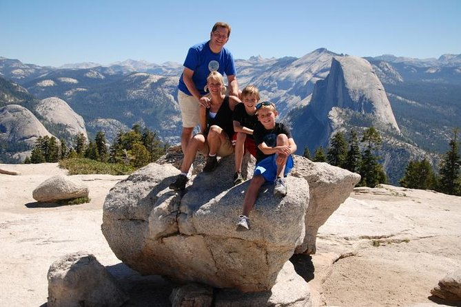 See Yosemite National Park on an outing that combines short easy hikes with outdoor education–great for children and adults alike! Spend quality time with your family and friends while learning about Yosemite from your experienced guide who will tailor the day to the experience level of your group. Come away with in-depth knowledge of this natural wonderland as well as great photos for your album.