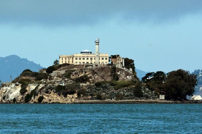No need for the hussle and bussle of other tour companies who make you spend all day with them just to go to Alcatraz. Relax with our easy going Alcatraz and lunch credit offer! Enjoy a comfortable area to relax with friends for lunch after your Alcatraz visit at our Fisherman's Wharf food location. <br><br>Then head on down to Alcatraz Pier 33 to board a predetermined Alcatraz Cruises ferry to the island and go inside the main cellhouse. Experience the award winning cellhouse audio tour and return on any boat you desire returning every thirty minutes. <br><br>Enjoy a same day $15 food credit per person off your bill to a preselected casual dining restaurant located in Fisherman's Wharf. Enjoy lunch and relax before or after your Alcatraz departure. Our area Wharf vendors will randomly be selected and assigned. <br>