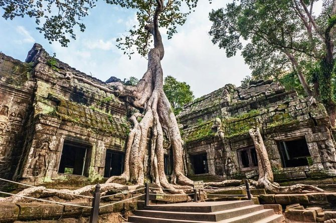 Cambodia recently has been become a favorite with backpackers and budget travelers over the past decade. Join this tour to explore the most highlight spots with cheap budget.