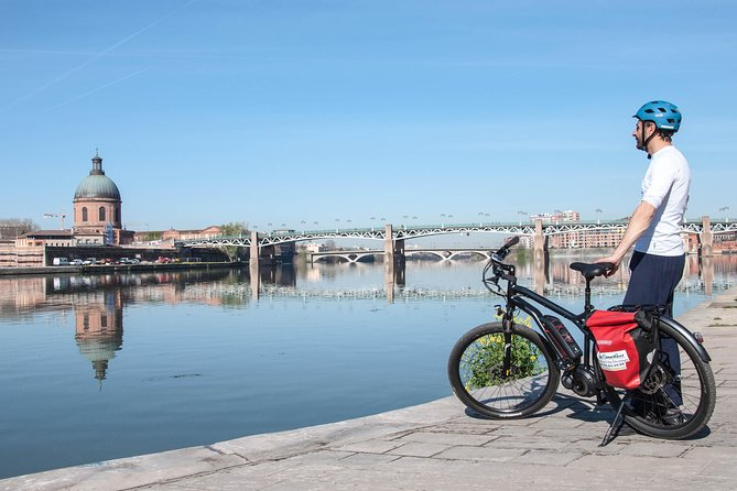 Discover Toulouse differently on the handlebars of one of our top of the line electric bikes. A playful adventure dotted with little extras that only the Toulousain cyclists know.<br><br>Led by an experienced Guide, set off on an exploration of Toulouse by Electric Bike. The architectural, cultural and natural heritage will be unveiled in the heart of this original Electric Bike Tour which ventures beyond the usual ground of the historic center.<br><br>Highlights:<br> • Cycling along garonne river banks<br> • Take command of a high-end electric bike.<br> • Numerous original views of the city from the different bridges oin the city center.<br> • Small alleys, and other bike paths that only the initiated Toulousain cyclists know.
