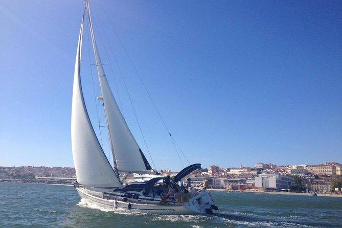 MÁS FOTOS, Private Boat Tour: Lisbon Coast Cruise