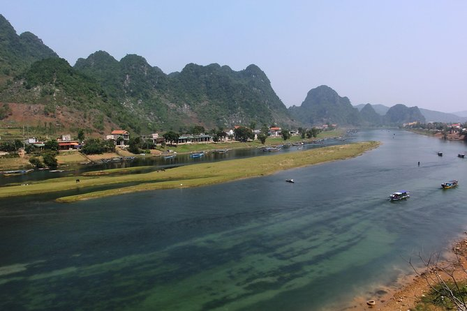 TOUR TO THE CAVES - Paradise & Phong Nha caves tour from Dong hoi city, Hue, VIETNAM