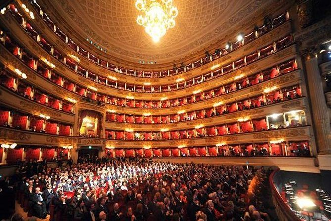 Skip the Line: Duomo Cathedral and La Scala Theatre, Milan, ITALY