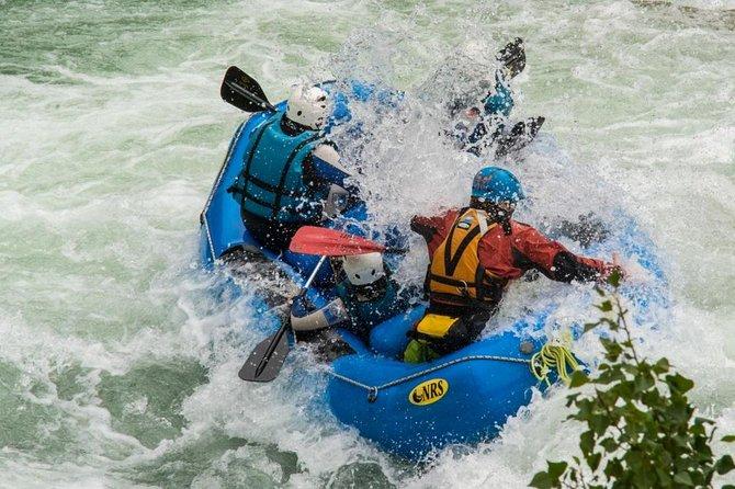 Rafting en el río Gallego en Murillo de Gallego, España, por UR Pirineos, ,