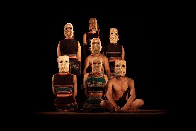 Teh Dar: Cultura tribal vietnamita en la Ópera de Saigón, Ho Chi Minh, VIETNAM