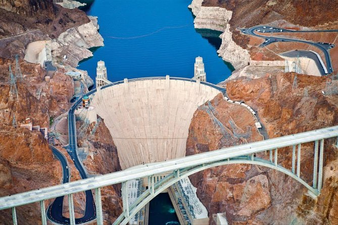 Short on time but still want to see the Hoover Dam? This mini tour is perfect for those who are either short on time or just want to experience the Hoover Dam without wasting a whole day or have a late flight out and have nothing to pass the time.This is a small group tour to make your experience more personal and time sensitive.