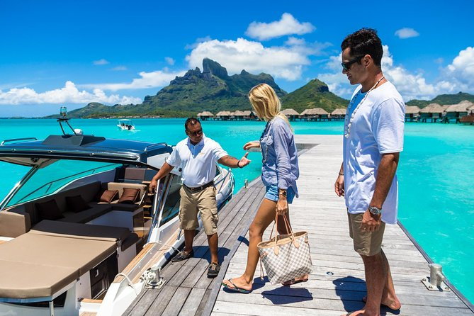 Your stay in Bora Bora is coming to an end.Bora Bora airport is located on an islet in the north of the island.<br><br> Most of the hotels are also situated on islets. Therefore it is essential to get around by boat.<br><br> Because Bora Bora is a high end destination, you need a high end service.<br><br> Enjoy a private boat to be able to reach Bora Bora Airport in perfect conditions.<br><br>The end of your journey in Bora Bora has to be perfect.