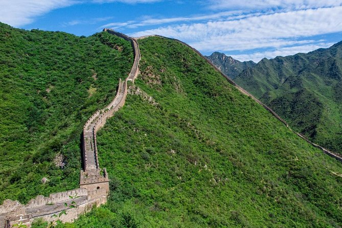 Joinan amazingtrip experience to two of the mostimpressive sites from Beijing.From the full day trip, you will visit the best part of Mutianyu Great Wall, the Ming Tomb as well as visitng Jade factory and Chinese Tea houseby group tourservice.