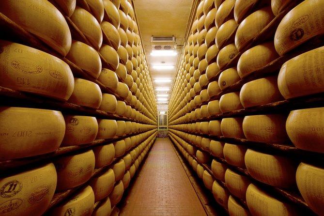 Private Emilia Romagna Food Tour from Milan, Parma, ITALIA