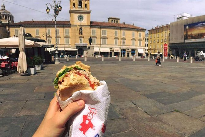Highlights of the experience: <br> • unique tour of the city center of Parma that mixes the main monuments and attractions with the local food exploring the hidden places where only the locals go. <br><br>