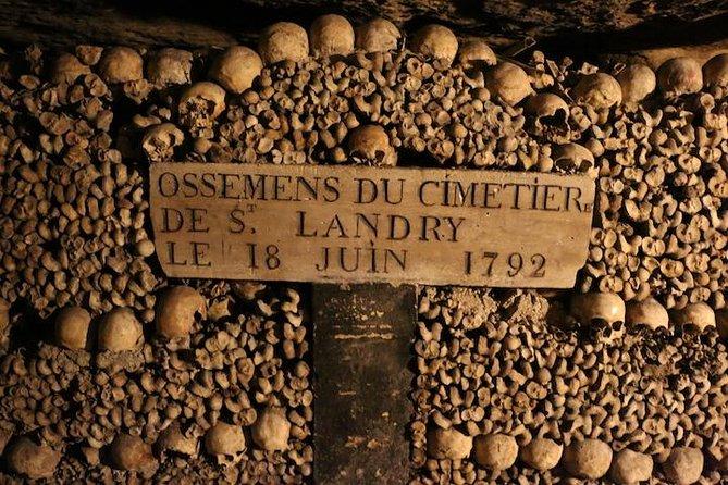 Skip the Line Paris Catacombs Tour, Paris, FRANCIA