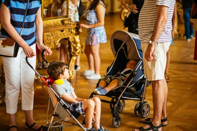 Explore the legendary Palace of Versailles on a child-friendly tour and journey back to the days of the French court. <br>Avoid long lines thanks to our Skip the line ticket. See opulent rooms, including the Hall of Mirrors, and get an appreciation of the King's Apartments. Take a short walk in the gardens.