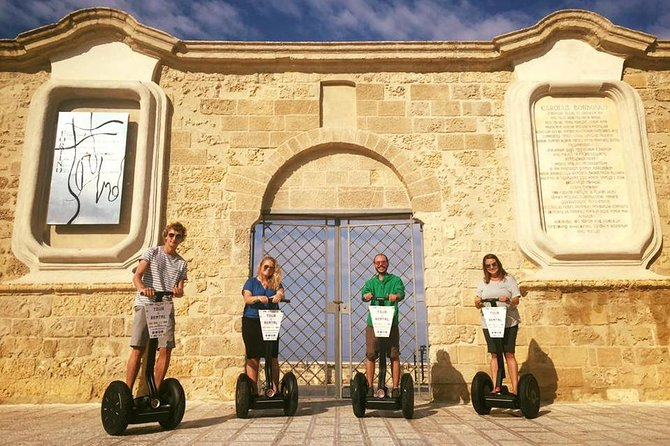 • Explore Bari and discover picturesque and hidden corners with an expert local guide <br> • Ride with the segway along authentic alleys of the old town meeting the local people and their traditions <br> • Taste home made ice cream<br> • Immerse yourself in the real southern italian atmosphere between culture & folklore