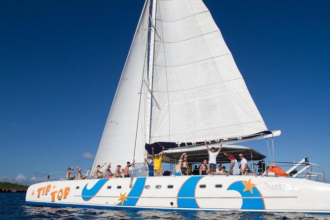 The best Snorkeling and sailing tour in catamaran with professional guide <br><br>The biggest catamaran in DR. Very confortable<br><br>2 reef snorkeling site <br><br>From Sosua to Marina Ocean World <br><br>Transportation included <br><br>Tours<br> • Half-Day Snorkeling Tour : 4 hours, disembark at Sosua bay at 12.00 <br> • All Inclusive Day Tour : 6 hours <br> • Private Charter Tour <br>---<br><br>Le meilleur tour de plongée en apnée et de voile en catamaran avec un guide professionnel<br><br>Le plus grand catamaran de la République dominicaine et un confort exceptionnel<br><br>2 sites de plongée en apnée<br><br>De Sosua à Marina Ocean World<br><br>Transport inclus<br><br>Tours<br> • Tour d'une demi-journée : 4h00, débarquement àla baie de Sosua à 12h00 <br> • Tour tout-inclus d'une journée: 6h00 <br> • Tour privé