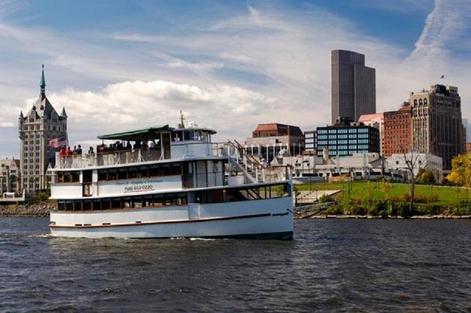 Climb aboard the 'Dutch Apple II' for a 90-minute ride along the Hudson River. A Hudson River historian narrates along the way, sharing historical anecdotes and recalling interesting facts about the history of Albany and surrounding area. Bring binoculars to spot eagles or just sit back and enjoy the views of the lush nature and historic houses that line the riverbanks.