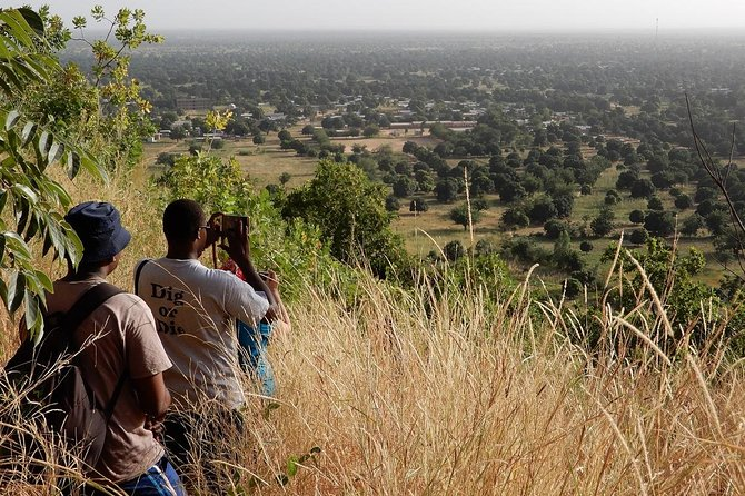 Welcome to Manding country, a place of history and warm hospitality in the Southwest of Mali. Explore picturesque traditional villages and impressive nature, looking like Dogon country. Actually it is the Manding region where the Dogon people originate from. The night is spent camping in nature.