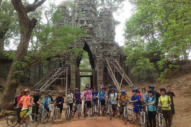 Angkor Wat & Bayon: the Smiling Temple, Siem Reap, Camboja