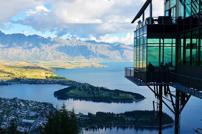 Travel in style with this private & exclusive door-to-door transfer from Christchurch to Queenstown, and reach your destination relaxed & refreshed. It is a great alternative to enjoying New Zealand landscape, all whilst in the comfort and safety of your very own chauffeur driven vehicle.