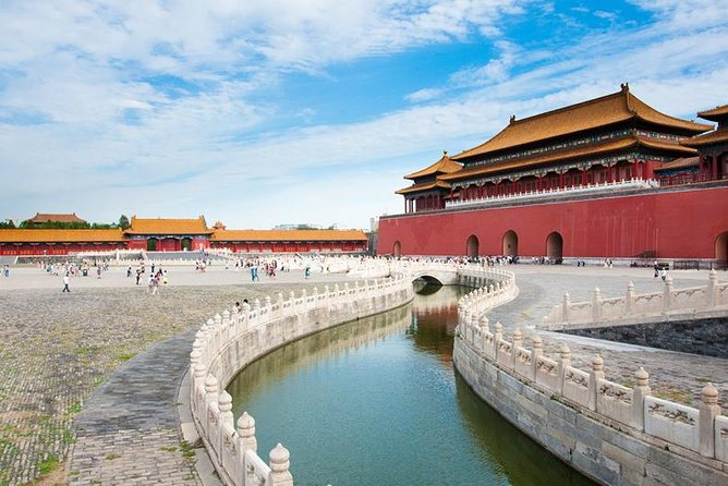 Visit the Great Wall of China and Forbidden City in one day. Skip the line at the Forbidden City as our VIP guests, hiking on Mutianyu Great Wall after crowds leave. Make full use of your precious time in Beijing and deeply discover the history and culture of Beijing. No shopping, no factories, no queues!