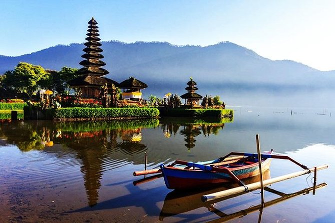 Best Of Bali: 2 Days Package Tour is Best tour package programs with experience Bali tours guide If you have very limited time during your Bali holidays, this tour could be the best solution, let's joining with our special offer package and get all the best service from us. Below is a detailed description of day tour packages Bali Two Days Package Tour.