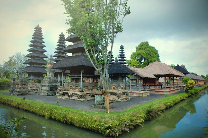 We offer personalized private tour driver as you want to explore the beauty of Bali Island. This means you get to explore Paradise Island just the way you would want or recommended places of interest by our English speaking tour driver. You can decide where the tour starts from, where it should finish and how long it lasts. But the major advantage of this option is that the driver can manage your trip to make it visited. The trip will take full day tour for 8– 10 hours<br><br>