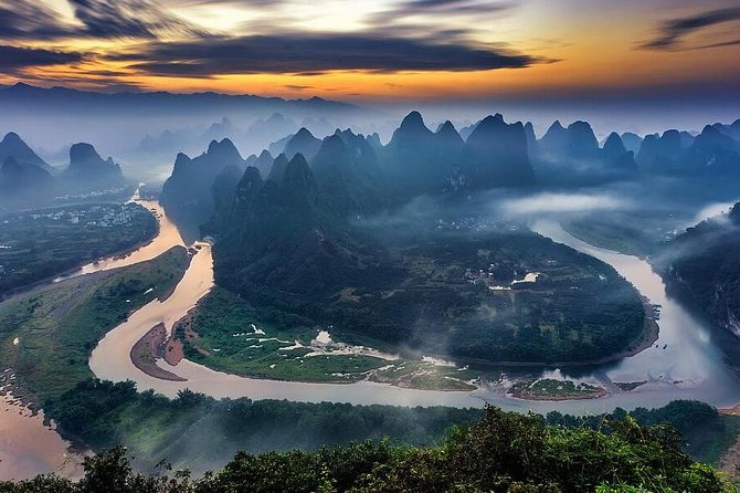 This private 8 hours tour can be start form Guilin or Yangshuo.This is the only circle hiking route around the Li River area. You climb up to the top of Xianggongshan Hill to have a fantastic sweeping view of the Li River and the pinnacle hills. Under the accompany of your guide, you walk through the villages, getting to know the rural life of local farmers and fishermen. You also have the chance to visit the thousand-year-old Xingping Ancient Town, and take a picture with the fisherman and the fishing birds.