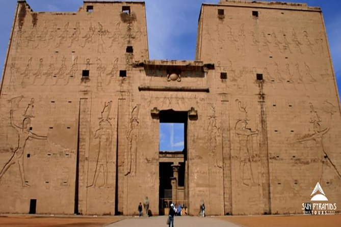 Take a Day Tour to Edfu and Kom Ombo Temples from Luxor by car and enjoy a Visit to the majestic Temple of Edfu that is dedicated to Horus, and then continue your day tour to the Temple of Kom Ombo standing on higher ground overlooking The Nile.<br> <br><br>Kom Ombo Temple that stands on high grounds overlooking <br><br>The <br><br>Nile.