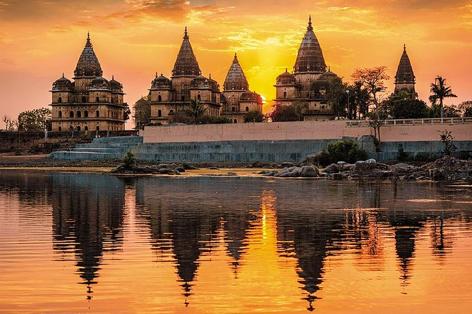 Visit historic village of Orchha on a Private day trip from Khajuraho. Learn about theBundela dynasty that once ruled this area. Enjoy the services of Private chauffeur in a comfortable car and explanation from Personal local guide.