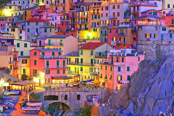 Hike through beautiful itineraries off the beaten paths among nature and spectacular views <br><br>Stay in one of the characteristic sea villages with its colourful house <br><br>Taste locally produced wines in a nice bar in Manarola <br><br>Enjoy a dinner in typical restaurant with sea food specialities