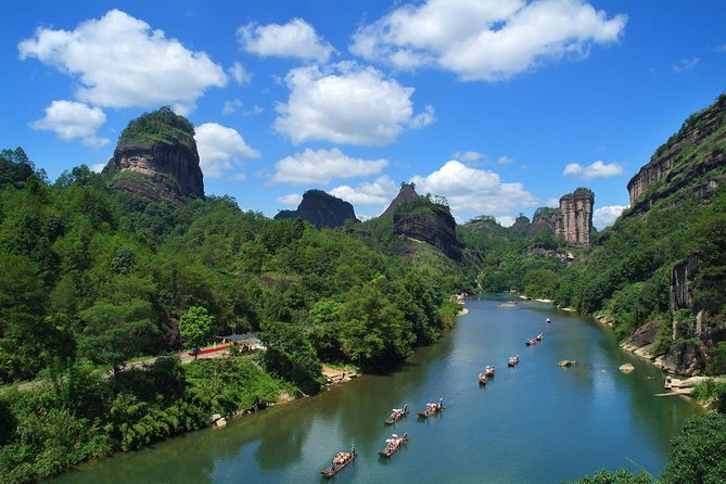 Wuyishan, which is famous for its World Heritage Site, Wuyi Mountain, is not only an international leisure tourist city, but also a town of tea, which has gained world fame.In this 3 days classic tour, all the essences of Wuyi Mountain are well arranged to ignite your vacation, such as the drifting along the Jiuqu Stream, visit to Tianyou Peak, Shuilian Cave and the Dahongpao scenic area, etc.