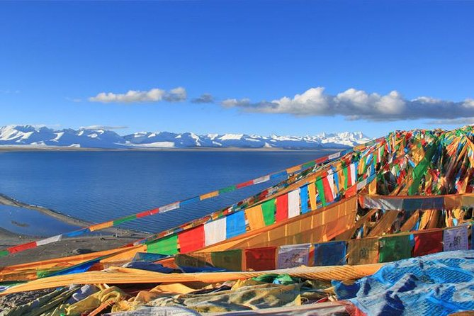 This multi-day tour covers the major tourist sites such as the Potala Palace, Jokhang Temple, Bakor Street and Sera Monastery in Lhasa. Visit one of the four sacred lakes in Tibet, Lake Namtso, which has an altitude of 4718m. Its stunning beauty is surrounded by magnificent views of the Nyenchen Thanglha snow-capped mountain range, which is a home to the Tibetan nomads that live in harmony with their animals and their natural environment.