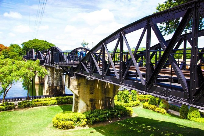 Private Tour : Bridge over River Kwae and Death Railway, Bangkok, TAILANDIA