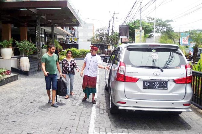 Begin your Bali Vacation with the right start, with a comfortable and convenience private arrival transfer service from Ngurah Rai International Airport to your hotel or private residence