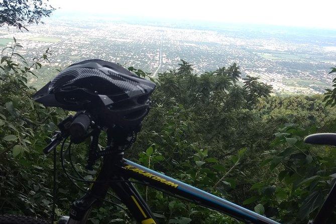 Senderos En Bicicleta De Montaña Desde Yerba Buena, San Miguel de Tucuman, ARGENTINA