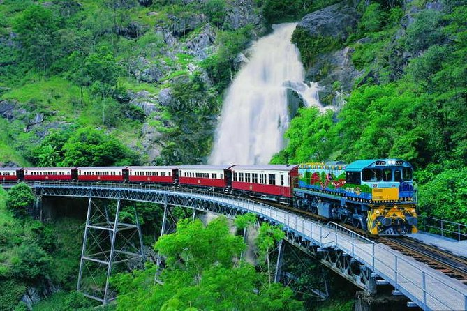 Full-Day Tour with Kuranda Scenic Railway, Skyrail Rainforest Cableway, and Hartley's Crocodile Adventures from Cairns, Cairns y el Norte Tropical, AUSTRALIA