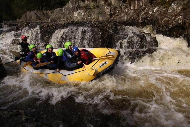 White Water Rafting and River Bugs on the River Tummel, Aberfeldy, Escócia