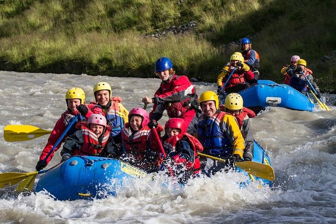Gentle rapids, stunningscenery, and natural riverside hot springs make the West Glacial River the perfect playground for paddlers ofallages! Float through the spectacular glacial canyons and experience Iceland beyond the reach of motors and foot.