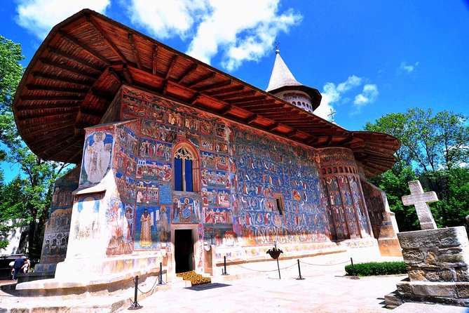 Experience an 6-day small tour from Bucharest to include Sibiu, Sighisoara, Bistrita, Gura Humorului, Piatra Neamt, Brasov and Sinaia. Learn how three different cultures converge in one country. Enjoy sightseeing in Bucharest, Romania's capital. Visit Dracula's birthplace, Sighisoara. See Borgo Pass, Dracula's Castle, Peles Castle, Bicaz Gorges and the magnificent painted churches from Bucovina.