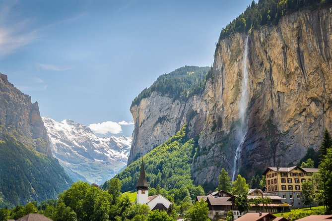 Lauterbrunnen Waterfalls & Mountain Trail Private Hiking Tour from Grindelwald, Grindelwald, Suíça