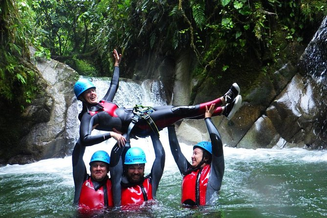 Be part of one of the most thrilling canyoning experiences (level 3.3.III) in Ecuador. This tour takes place at Casahurco, in the Llaganates National Park, located 40 minutes away from Baños de Agua Santa. It is one of the top-rated places to do canyoning. You will be accompanied by experienced, professional guides to enjoy a once-in-a-lifetime experience surrounded by nature and a fantastic atmosphere.