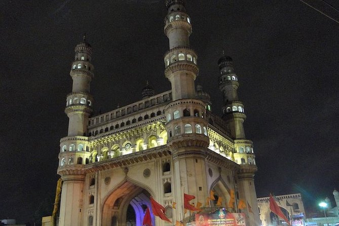 The Charminar Area Walk will highlight the history of the two dynasties that ruled Hyderabad. We will take you to Charminar, Laad Bazaar, Mecca Masjid and Chowmahalla Palace. From the story of the creation of the city in 1591 till the end of the Nizam's rule in 1948, this tour is a must-do for any first timer to Hyderabad. It includes historic monuments, colorful bazaars and will give the visitors a glimpse into the life of a typical Hyderabadi.