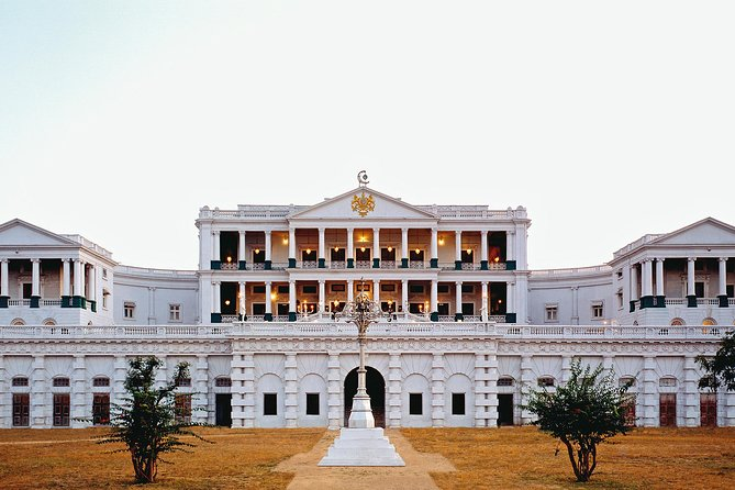 Grand Heritage Walk starts with the Special Masala HiTea of Nizam's blend or an English HiTea, served either at Celeste, Gol Bungalow or Jade Terrace. <br><br>Falaknuma Palace (India's one of the most Opulent Palaces) Perched 2,000 feet atop the City of Pearls, is indeed a mirror of the sky nestled among clouds is spread in 32 acres. This 1894 masterpiece has an elaborate design, eloquent stucco work and timeless elegance is like retracing the paths of Nizams, walking in step with the European royalty, feeling the presence of the flamboyant Begums, walking arm-in-arm with distinguished Heads of the State and walk the Kings way, slicing your path through the choicest architecture. Ajourney into the blue skies, into the glided ages of time immemorial, where grandeur and lavishness is all you see with the palace historian, Prabhakar Mahindrakar, A towering figure of a man, dressed in a flowing black sherwani, he walks softly over the rosewood parquet